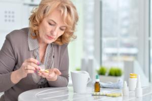 Read more about the article Reposição hormonal e menopausa: conheça os riscos e benefícios