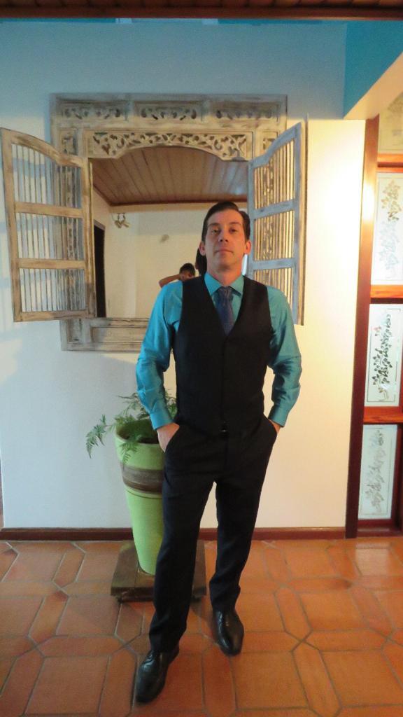 Dr. Thiago Sgobbi